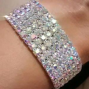 Jewelry - Aurora Borealis Silver Stretch Bracelet